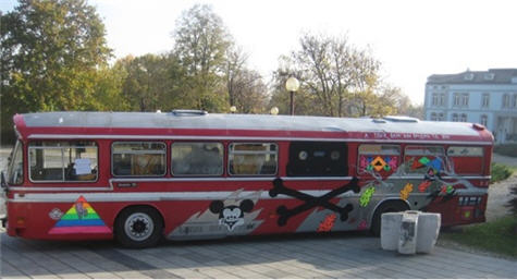 pirate bay bus